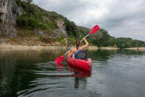 Jedete na vodu? Cestovní pojištění se vyplatí i na české řeky